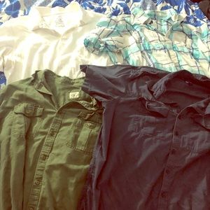 Other - Bundle of 4 short sleeve button up shirts